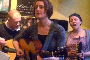 Karine Polwart - Steven Polwart, Karine Polwart and Inge Thomson performing in 2008