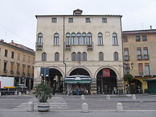 The Palazzo Angeli, that houses the Museum of Precinema. The entrance to the Museum is under the right hand arch at the bottom of the building.
