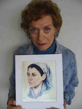 Dina Babbitt - Dina Babbitt with a copy of one of the portraits she painted in Auschwitz