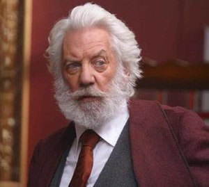 Kurt Barlow - Donald Sutherland as Straker, in 'Salem's Lot (2004).