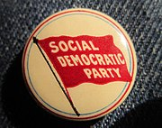 Pinback of the Social Democratic Party of America.jpg