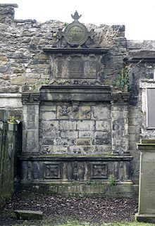 Tomb of Gilbert Primrose in Greyfriars Churchyard, Edinburgh.jpg