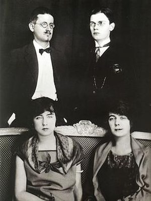 Nora Barnacle - Paris 1924: Clockwise from top left – James Joyce, Giorgio Joyce, Nora Barnacle, Lucia Joyce