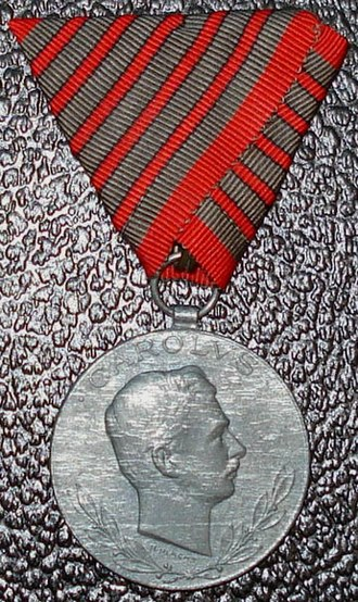 Wound Medal (Austria-Hungary) - Obverse of Wound Medal with ribbon for 5 wounds