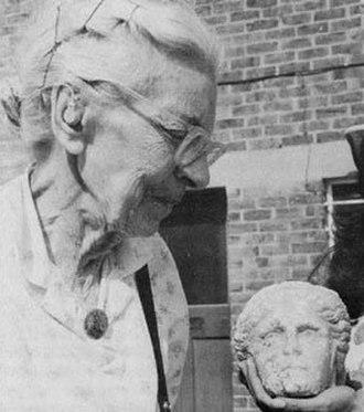 Jocelyn Toynbee - in 1985 with a marble head artefact