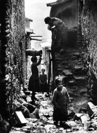Africo - Street scene of the town of Africo in 1948 (Photo: Tino Petrelli)