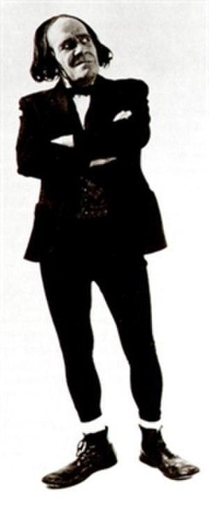 Max Wall - as Professor Wallofski