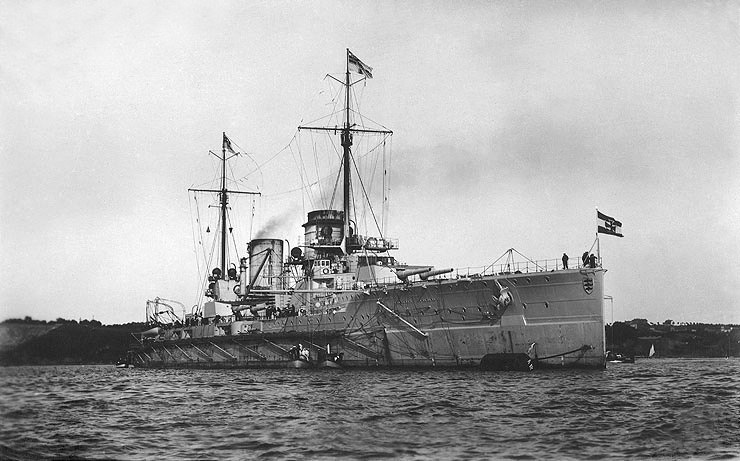 German battlecruiser SMS Seydlitz in port, prior to World War I (retouched)
