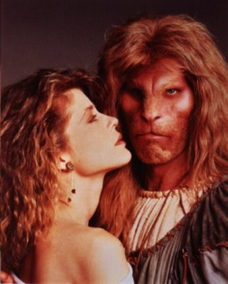 Beauty and the Beast (1987 TV series) - Pictured: Linda Hamilton (Catherine), Ron Perlman (Vincent)