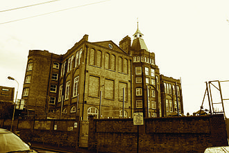 College Park, London - Kenmont Primary School (formerly Kenmont Gardens School) built in 1883