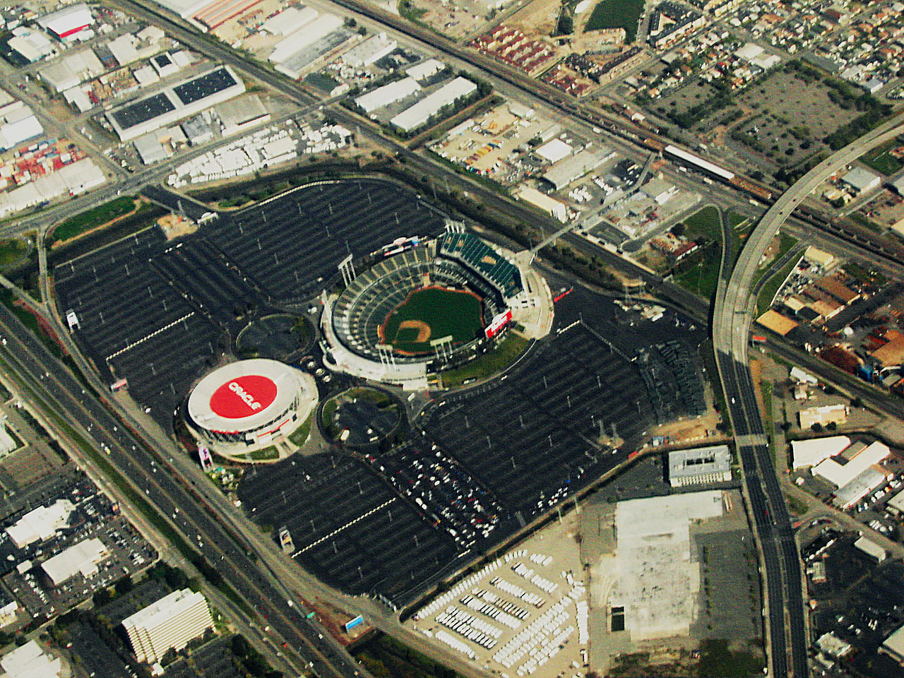 State warriors oracle arena and oakland alameda county coliseum - File Oracle Stadium From Sfo Cc Jpg