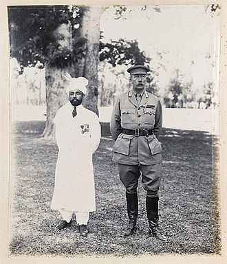 Shuja ul-Mulk - The Mehtar of Chitral Sir Shuja ul-Mulk and the Chief Commissioner of the North West Frontier Province Sir George Roos-Keppel at Peshawar (1919).