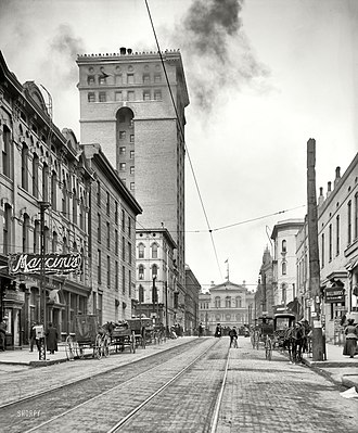 Downtown Memphis, Tennessee - View west on Madison Avenue, ending with the Customs House (1906)