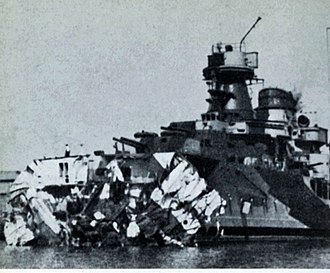 Italian cruiser Muzio Attendolo - Muzzio Attendolo after being torpedoed by submarine HMS Unbroken