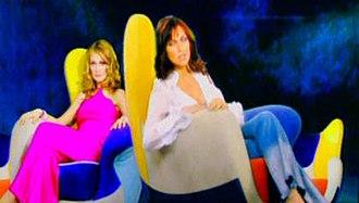 To Kati - Katy and Natasa in music video Epitelous