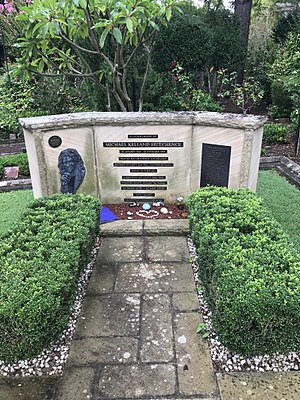 Michael Hutchence - Hutchence memorial at Northern Suburbs Crematorium, North Ryde, New South Wales.