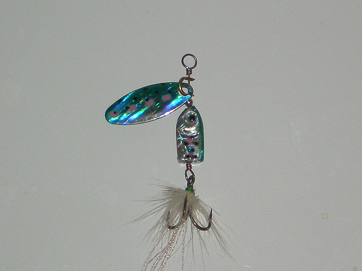 Spinnerbait wikipedia for How to make a fishing spinner