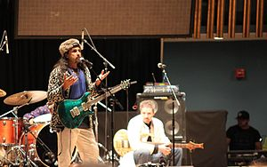 Junoon (band) -  Junoon performing live at the 'Concert of Pakistan', on 12 September 2009