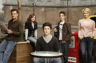 Kyle XY - Kyle and the Trager family. Left to right: Stephen, Lori, Kyle, Josh, and Nicole.