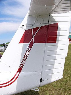Piper aerostar wikivisually piper pa 38 tomahawk the axe logo was applied at the piper factory to fandeluxe Images