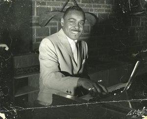 "Vann ""Piano Man"" Walls - Image: Vann Walls at Hammond B3 organ"