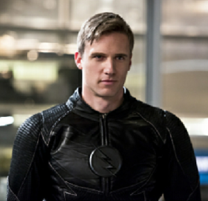 Hunter Zolomon - Teddy Sears as Zoom in a promotional image (left) and unmasked as Hunter Zolomon (right).