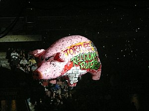Roger Waters Tour  Women Accompying