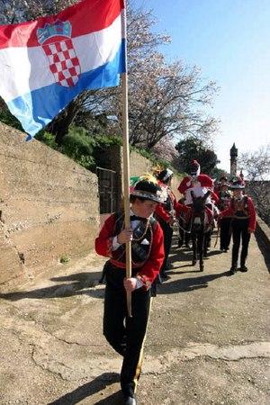 Lastovo Poklad - The procession of the Poklad doll on the donkey