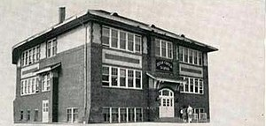 Bear Creek High School (Colorado) - Image: Bear Creek Consolidated School (taken 1947)