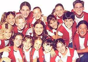 Chiquititas - Romina Yan and the young cast of Chiquititas, in Season Four.