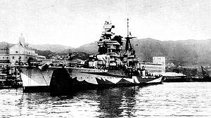 Italian cruiser Gorizia - Gorizia painted in dazzle camouflage in 1942