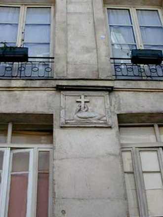 Rue Saint-Séverin, Paris - Image: Rue saint severin 13 croix jms