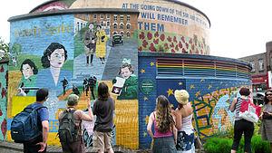 Brixton murals - Image: Stockwellwarmemorial