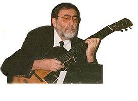 Ralph Patt vond de stemming van majeur-terts uit, die hij op achtsnarige gitaren speelde.