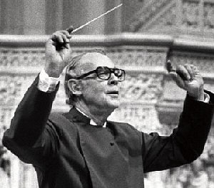 Richard Wayne Dirksen - Dirksen conducting the choir at the Washington National Cathedral in the 1980s
