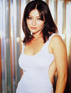 Shannen Doherty as Prue.jpg