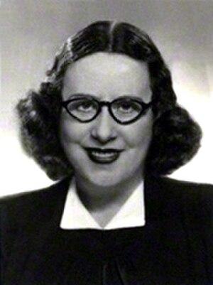 Dorothy Wilding - Self-portrait (1930s)