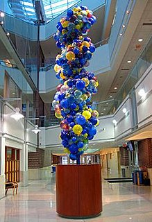 <i>DNA Tower</i> artwork by Dale Chihuly
