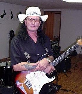 Larry Reinhardt American guitarist