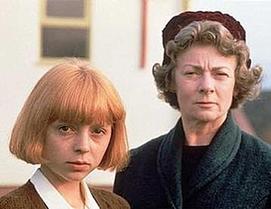 Charlotte Coleman and Geraldine McEwan in Oranges Are Not the Only Fruit