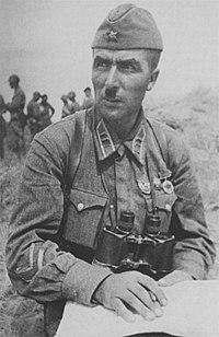 Bataille de Narva 1944 : une campagne Blitzkrieg aux portes de Rennes 200px-Portrait_photo_of_Soviet_Lt._Colonel_Ivan_Fedyuninsky_during_the_Battle_of_Khalkin-Gol%2C_1938.jp9