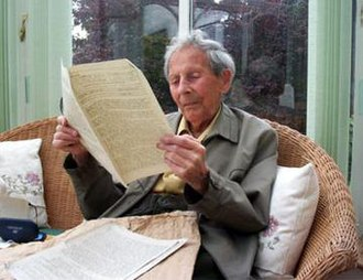 Donald Watson - Donald Watson reading the first issue of The Vegan
