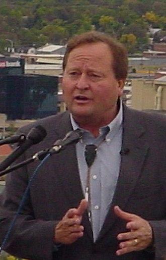 Brian Schweitzer - Governor Brian Schweitzer campaigning in Billings, Montana for Jon Tester in September 2006