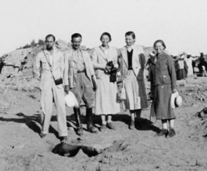 Marcelle Werbrouck - left to right: Arpag Mekhitarian, Jean Stiénon, Violette Verhoogen, Éléonore De Mot, and Marcelle Werbrouck