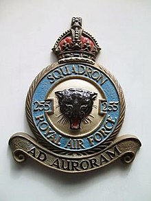No. 255 Squadron RAF crest, photo of casting by Rogarn.jpg