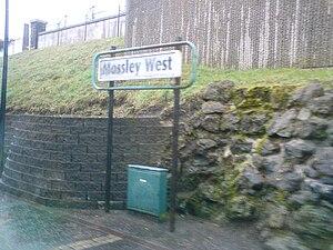 Mossley West railway station - Image: Mossleywest 2