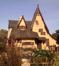 Spadena Witch House.jpg