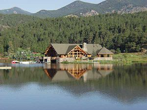 Evergreen, Colorado - Evergreen lake house in the summer