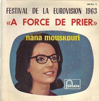 À force de prier - Image: Nana Mouskouri À force de prier