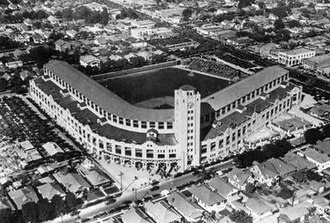 Wrigley Field (Los Angeles) - Wrigley Field's opening in 1925